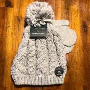 Laura Ashley Kid's hat and mitten set! NWT